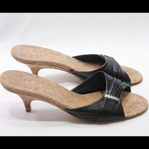 AUTHENTIC Chanel BLK Leather Kitten Heel Mules
